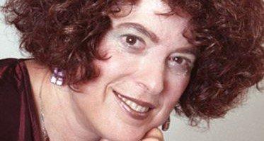 headshot of Dr. Barbara Becker Holstein